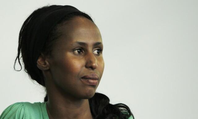 03285ec5 VIL HA KVINNER PÅ BANEN: Kadra Yusuf mener norske kvinner må komme seg på  banen