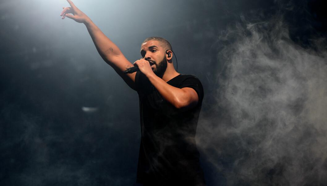 <strong>STOR STJERNE:</strong> Drake på hovedscenen under Wireless Festival i London i juni 2015. Foto: Jonathan Short/Invision/AP/ NTB scanpix