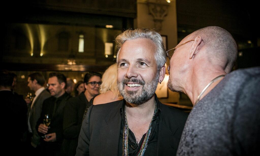 BLE HEDRET: I oktober ble Ari Behn hedret med sitt eget portrett på Theatercaféen i Oslo. Foto: Christian Roth Christensen / Dagbladet