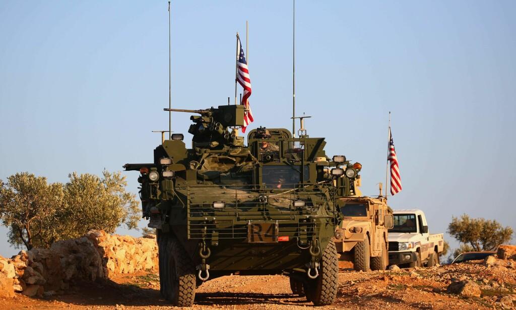 PÅ STEDET HVIL: USA avslår oppfordringen fra Tyrkia om å trekke seg ut av Manbij, Syria, og blir værende i kampen mot IS. Foto: DELIL SOULEIMAN / AFP / SCANPIX