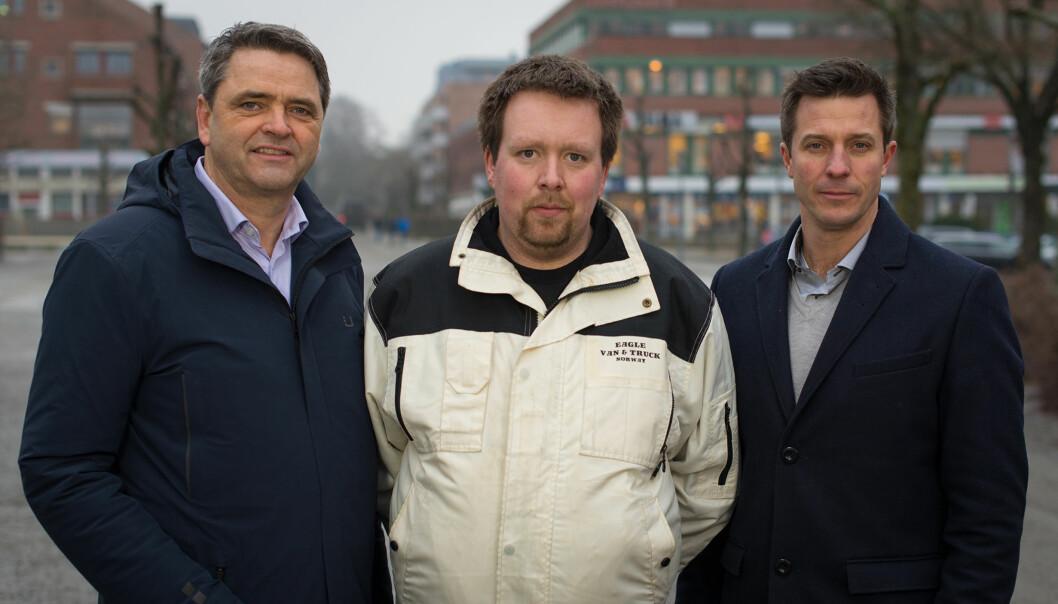 FÅR HJELP: Det er økonom Magne Gundersen og psykolog Robert Speare som hjelper Ron Richard på rette veier i «Luksusfellen». Foto: TV3