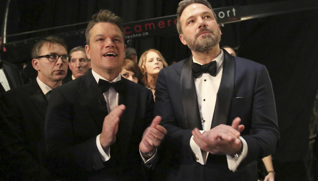 <strong>SIST SETT:</strong> Ben Affleck til høyre ble sist sett på Oscar-utdelingen med sin gode kompis og skuespillerkollega Matt Damon.  Foto: Matt Sayles/Invision/AP)