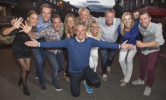 GOD STEMNING: Helene Olafsen sammen med de andre deltakerne i «Mesternes mester» og programleder Dag Erik Pedersen. Foto: Tore Skaar, Se og Hør