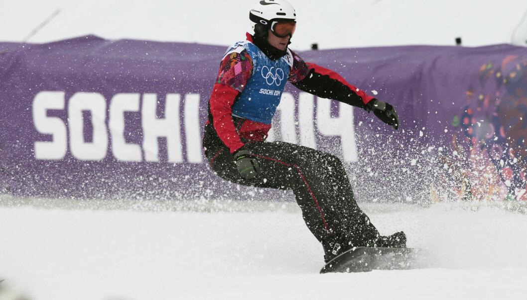 SNOWBOARD-STJERNE: Stian Sivertzen i aksjon under OL i Sotsji i 2014. Foto: NTB Scanpix