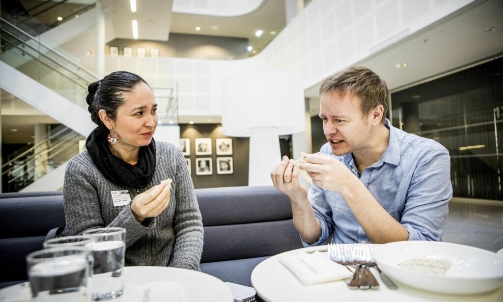 TEST AV TACOLEFSER: Testpanelet smakte seg gjennom alle tacolefsene og ble overrasket over hvor ulike de er. Foto: Christian Roth Christensen / Dagbladet