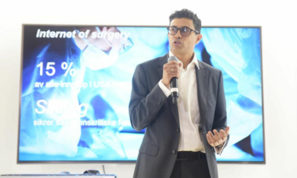 FOR HELSE: Naeem Zahid, kirurg og e-helseekspert hos Telenor, tror 5G kan gjøre fremtidens helsetilbud langt mer avansert. Foto: Martin Fjellanger, Telenor