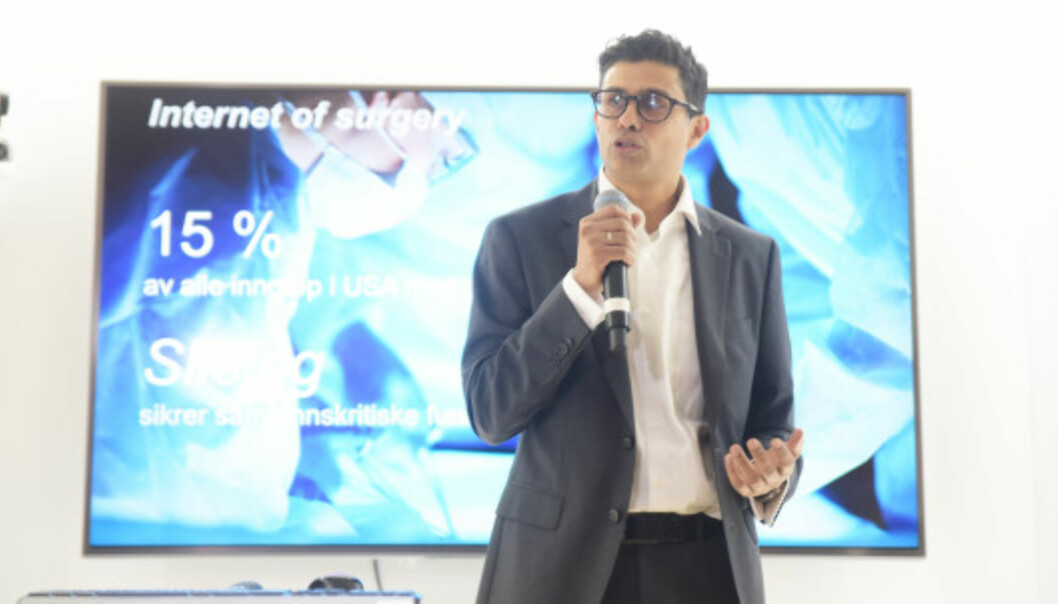 <strong>FOR HELSE:</strong> Naeem Zahid, kirurg og e-helseekspert hos Telenor, tror 5G kan gjøre fremtidens helsetilbud langt mer avansert. Foto: Martin Fjellanger, Telenor
