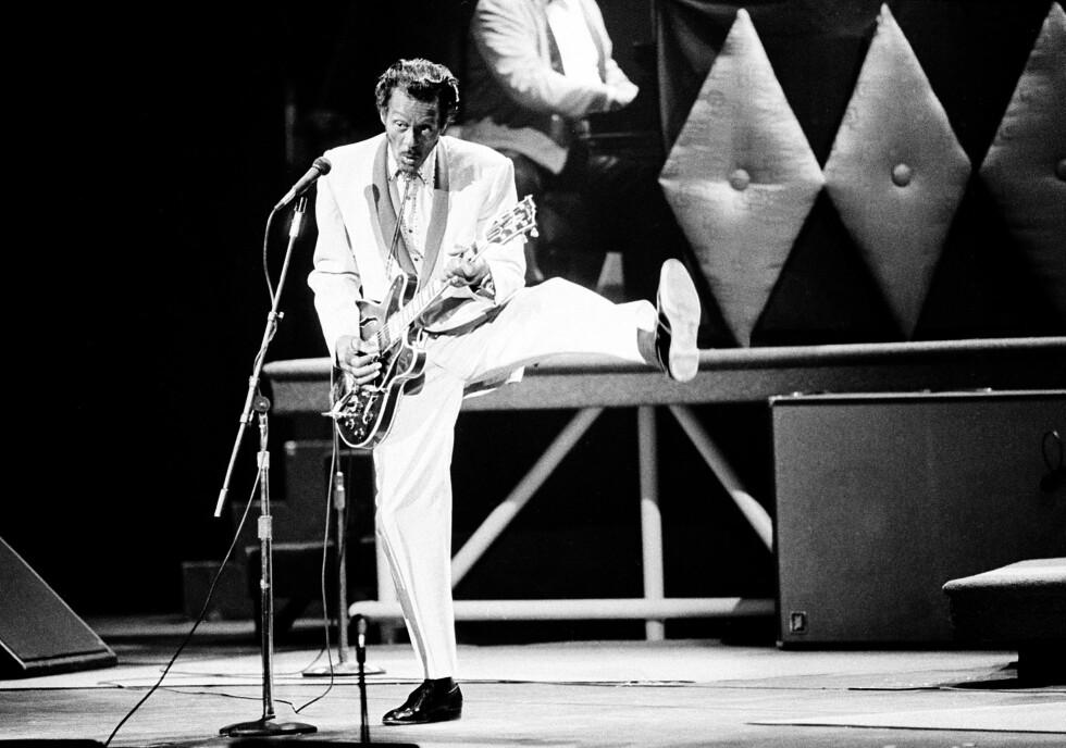 SPREK FYR: Chuck Berry under en konsert i hjembyen St. Louis på 60 års dagen i 1986.  Foto: NTB Scanpix<div><br></div>
