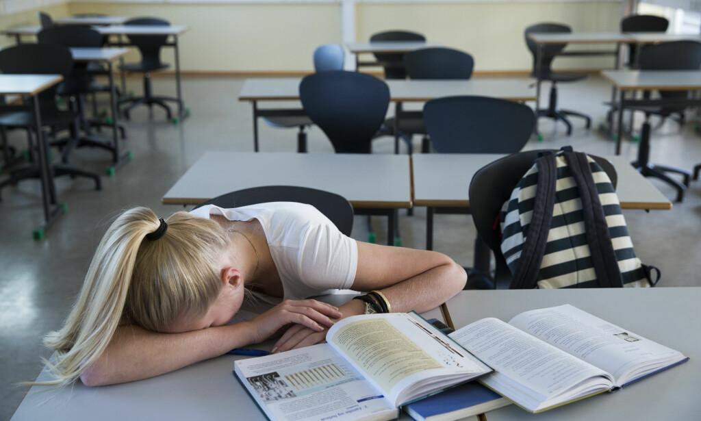 <b>STRESSER: </b>Halvparten av jentene og fire av ti av guttene ved de to skolene svarte at de stresser med skolearbeidet, og at det gjør dem utslitt.Illustrasjonsfoto: Berit Roald / NTB scanpix