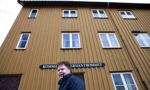 SKRIVESTUA: I dette bygget, en steinkast fra politihøyskolen i Stavern, har Jørn Lier Horst sin skrivestue. Foto: Anders Grønnenberg