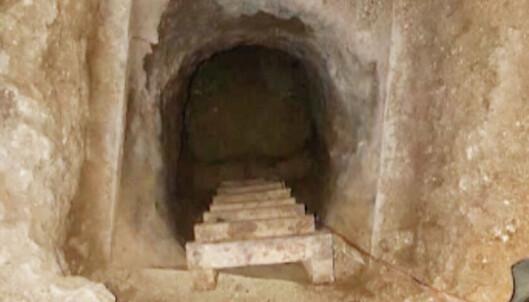 29 fanger snek seg ut gjennom en førti meter lang tunnel. Halvparten er fortsatt på rømmen