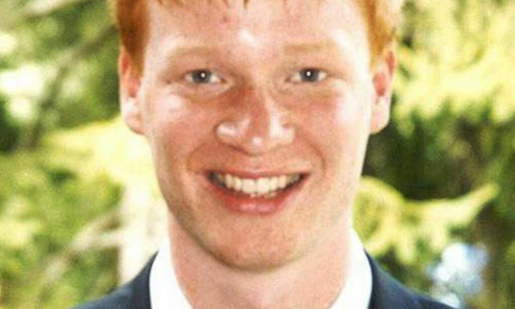 DREPT: 23 år gamle Egil Tostrup Bråten ble funnet av en politipatrulje i Nordahl Bruns gate i Oslo i 2002. Han var påført knivstikk, og ble konstatert død kort tid etter ved Ullevål sykehus. To menn ble i juni dømt i saken, nå anker den drapsdømte mannen saken til lagmannsretten. Foto: Politiet / NTB scanpix