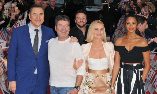TV-DOMMER: David Walliams (t.v) er kjent som en av dommerne i talentprogrammet «Britain's Got Talent». Her sammen med de andre dommerne i programmet, Simon Cowell, Amanda Holden og Alesha Dixon. Foto: NTB scanpix