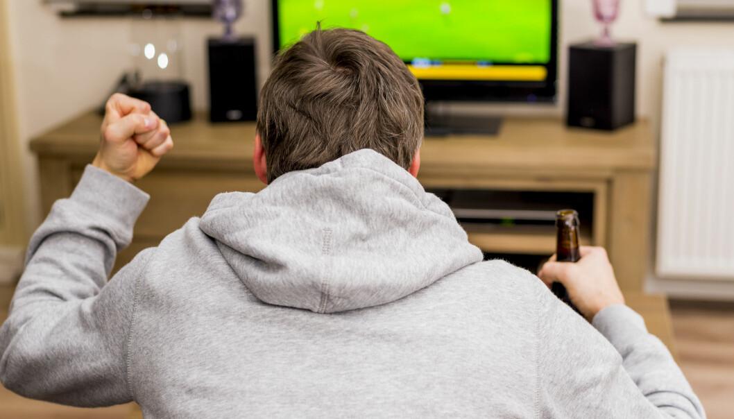 HAKKER DET? Mange opplever det som irriterende at TV-strømming hakker; kanskje særlig på sportssendinger. Heldigvis lar det seg som regel fikse. Foto: Mike Mols / Shutterstock / NTB scanpix
