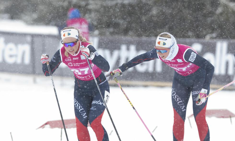 PRØVER SEG UTEN GEVÆR: I går gikk Tiril Kampenhaug Eckhoff og Ingrid Landmark Tandrevold fra Fossum IL  inn til fjerdeplass i NM-lagsprinten på Gålå. I dag står de over femkilometeren. Foto: Terje Bendiksby / NTB Scanpix
