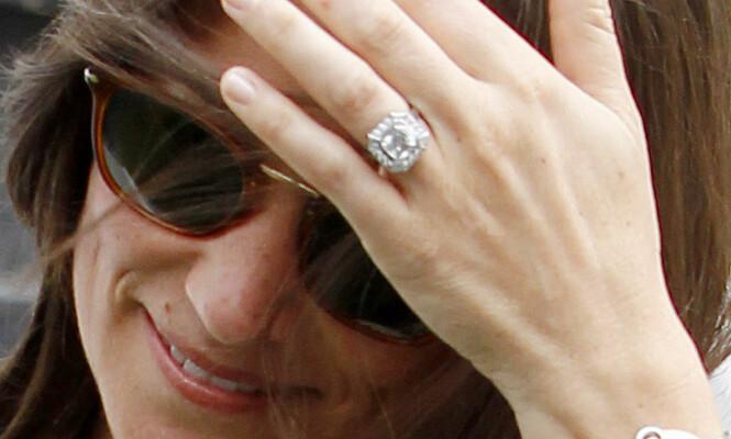 EKSKLUSIV RING: Diamanteksperter Daily Mail har snakket med, hevder Pippas forlovelsesring kan være verdt over to millioner kroner. Foto: Solo Syndication