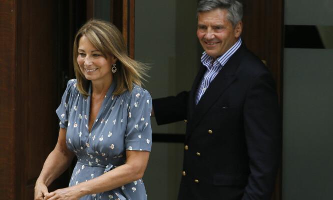 INNE I VARMEN: Pippas foreldre, Michael og Carole Middleton, skal ha fått et godt forhold til datterens forlovede. Foto: Xposure