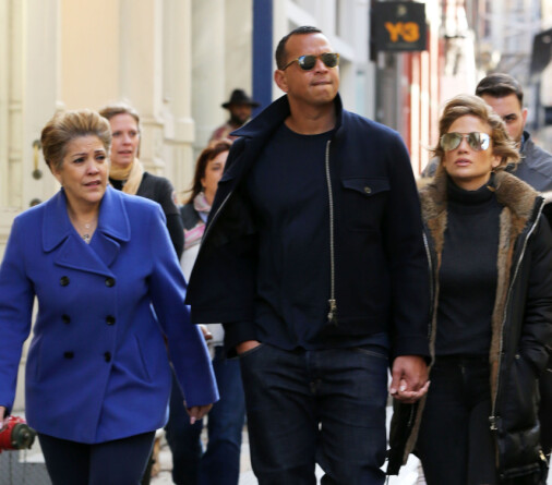Jennifer Lopez, with her friend Alex Rodriguez and Emma Guadalupe, says she has learned to love Motown's music because of her mother. Photo: Splash News / NTB scanpix