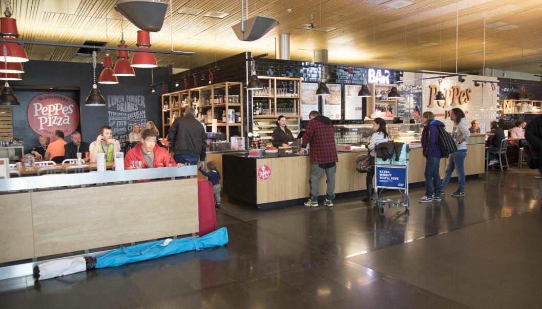 GAMMEL TRAVER: Peppes Pizza i ankomsthallen er den eneste restauranten som ligger på samme sted som da Gardermoen åpnet i 1998.