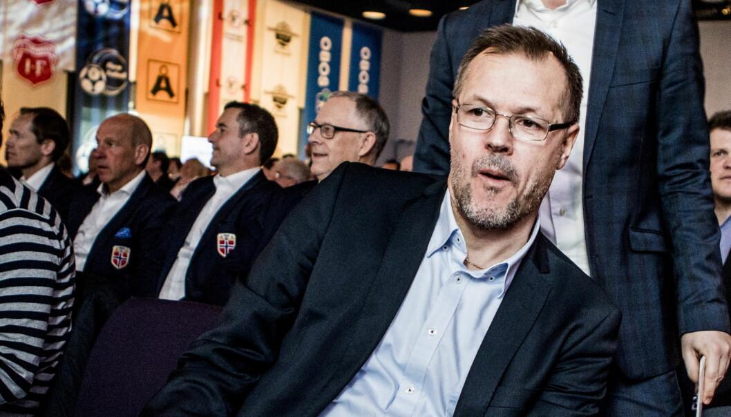 <strong>ENGASJERT:</strong> Kjetil Rekdal, her med landslagsledelsen i bakgrunnen, hiver seg inn i rettighetsdebatten i norsk fotball. Foto: Christian Roth Christensen / Dagbladet