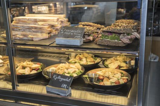 De serverer også frokost, brødmat og lettere salater.