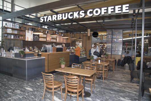Starbucks har flyttet opp en etasje, inn i den nye terminalen.