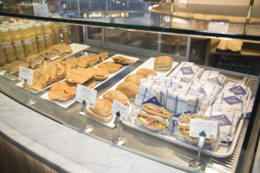 Her får du ulike bakevarer og påsmurte sandwicher og baguetter.