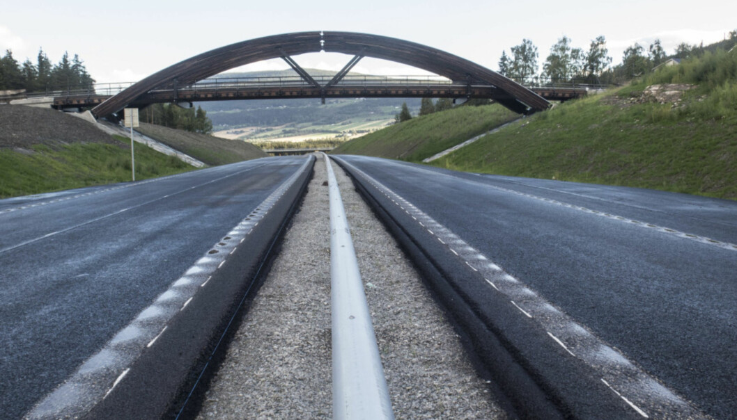 <strong>SAVNER INFORMASJON:</strong> Ny E6 forbi Vinstra i Gudbrandsdalen åpnet for trafikk i desember 2016, i ny Nasjonal transportplan blir ferdigstillingen av veien utsatt. Foto: Paul Kleiven / NTB scanpix