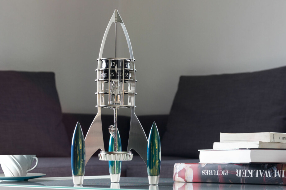 """FLY ME TO THE MOON"": MB&F ""Destination Moon"". Foto: produsenten."