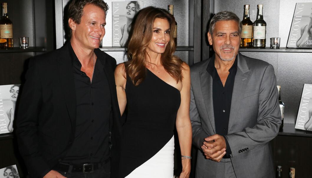 "<strong>SJENERØS KOMPIS:</strong> Rande Gerber (t.v.) og Cindy Crawford er gode venner av George Clooney. Nå røper Gerber en helt spesiell historie om filmstjerna. Foto: <span style=""font-family: inherit; background-color: inherit;"">Splash News/ NTB scanpix</span>"