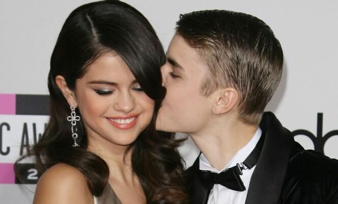 HADDE ET TURBULENT FORHOLD: Justin Bieber og Selena Gomez var et par fra 2011 til 2013. Foto: NTB scanpix
