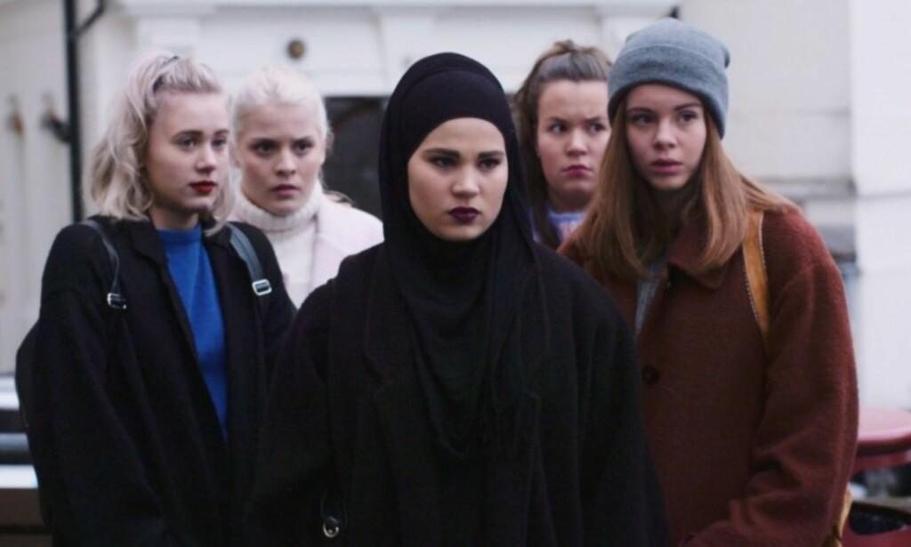TEORIER: Vi har funnet frem fem teorier om sesong fire av «SKAM». FOTO: NRK