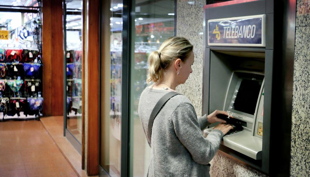 <strong>UGUNSTIG VALUTA:</strong> Spør minibaken om du vil ha beløpet i norsk valuta, bør du takke nei. Foto: Ole Petter Baugerød Stokke