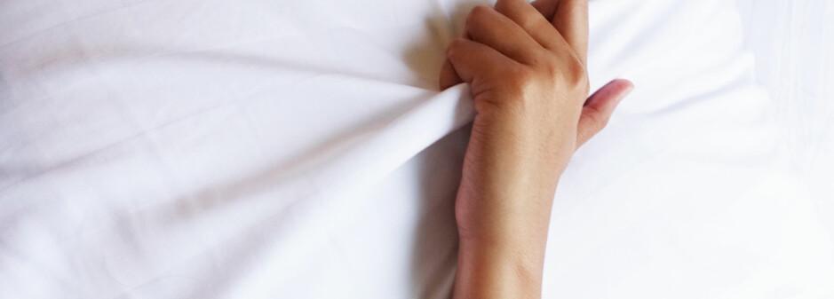 FORDELER: Å «komme» kan faktisk sørge for at du sovner lettere. FOTO: Scanpix