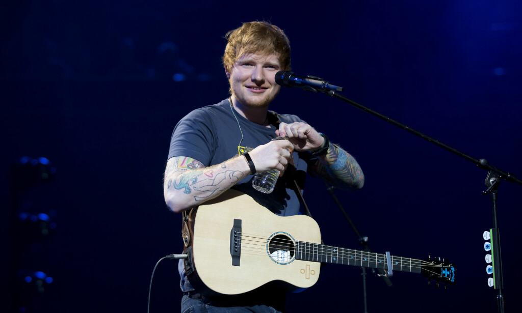 LOGGER AV: Ed Sheeran har sett seg lei av hat og mobbing på Twitter. Nå forsvinner han fra nettstedet og sine 19,2 millioner følgere. Foto: NTB scanpix