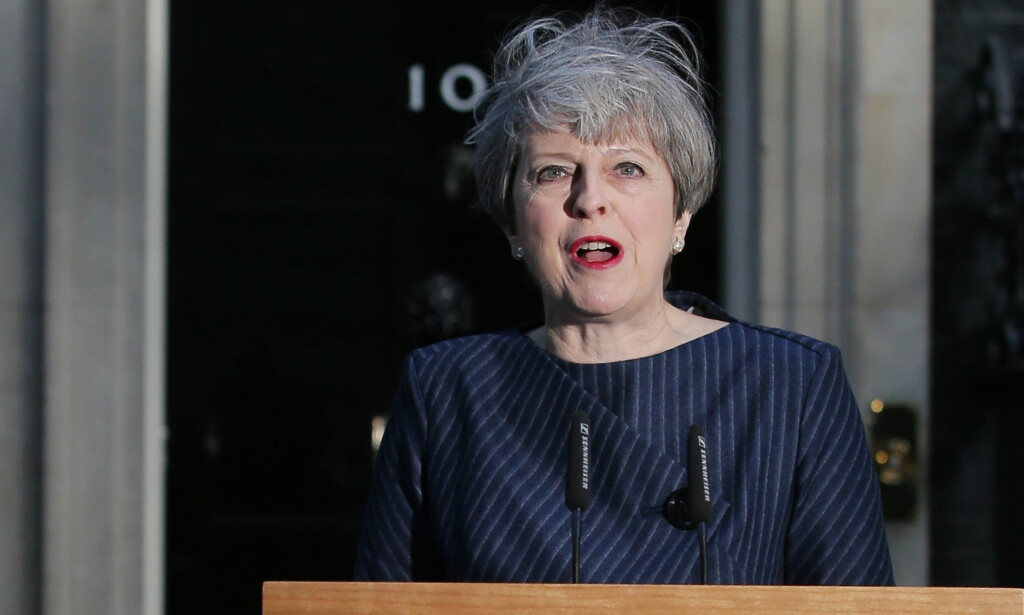 KALLER INN TIL KRISEMØTE: Theresa May. Foto: AFP PHOTO / Daniel LEAL-OLIVAS/NTB Scanpix
