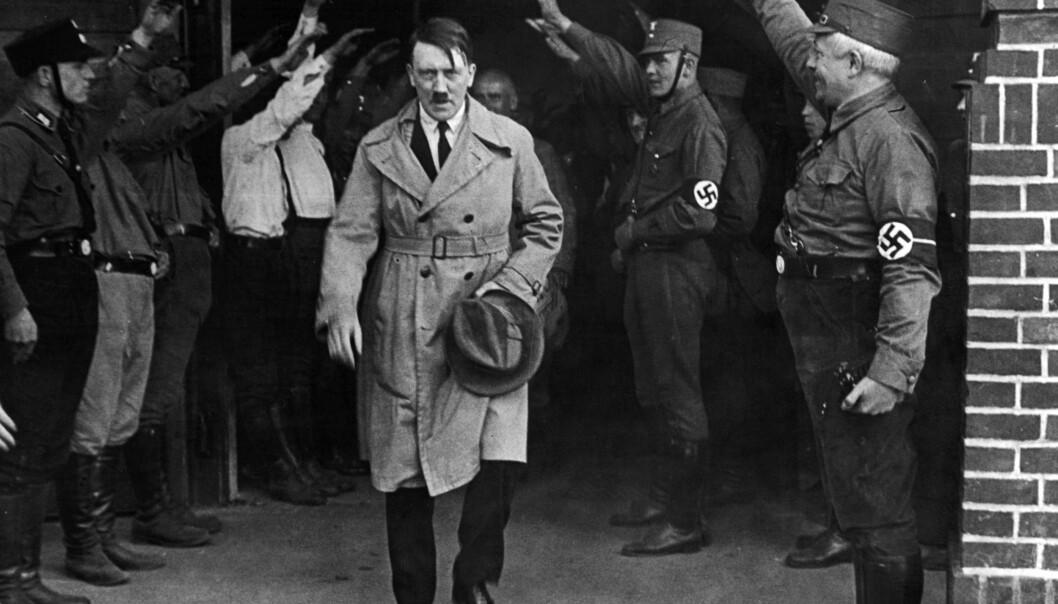 <strong>TILTALT:</strong> De allierte hadde tiltalt for Adolf Hitler for krigsforbrytelser før han døde, viser nye dokumenter fra FNs krigsforbryterkommisjon. Bildet er fra 1931. Foto: AP Photo / NTB scanpix