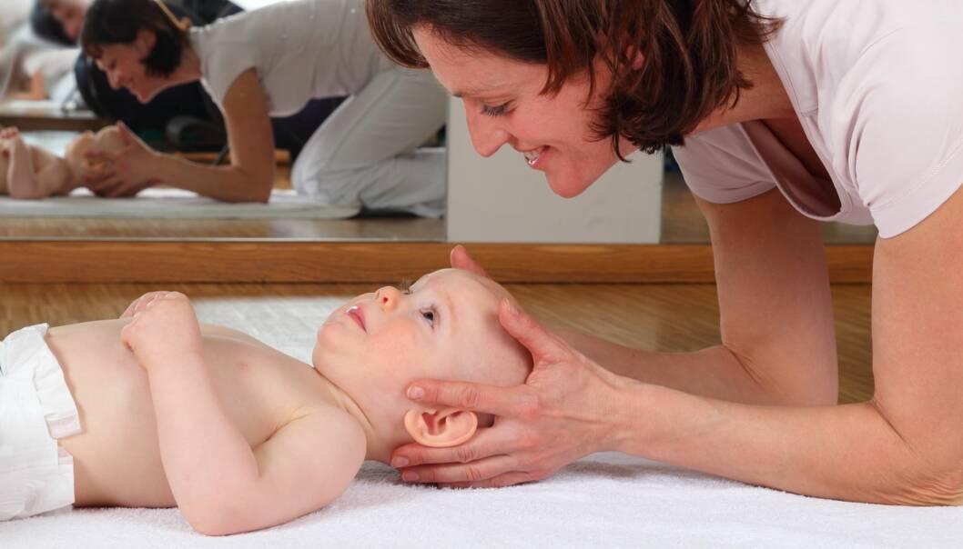 ALTERNATIV BEHANDLING AV BABY: Osteopati er en av behandlingsformene som regnes som alternativ. Foto: riopatuca / Shutterstock / NTB scanpix