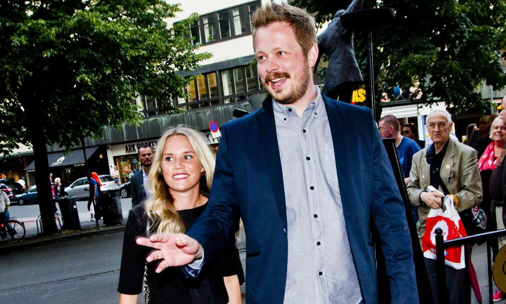 <strong>GRAVID:</strong> Einar Tørnquist er samboer med Linn Bjørnsen, og neste måned har hun termin. Her ankommer de komiprisen på Chat Noir sammen i 2013. Foto: Vegard Grøtt / NTB scanpix&nbsp;