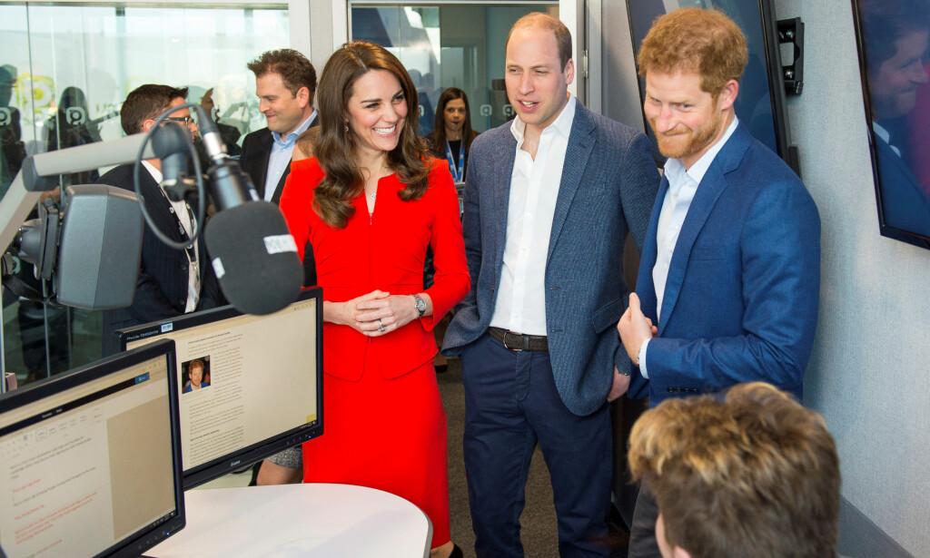 VIL HJELPE: Hertigunne Kate, prins William og prins Harry har vist stor interesse for mental helse, og sammen fronter trioen «Heads Together»-kampanjen. Foto: NTB Scanpix