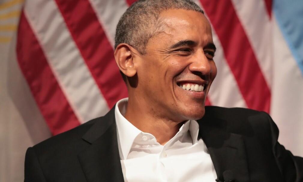 HOLDER FOREDRAG: Barack Obama tjener store penger på foredrag etter at han har gått av som president. Foto: Scott Olson/Getty Images/AFP/Scanpix