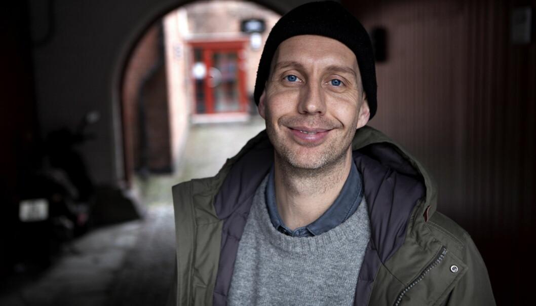 <strong>BOKDEBUTERER:</strong> Humorprofil Morten Ramm slipper i disse dager humorbildeboka «Folk». Foto: Anders Grønneberg / Dagbladet