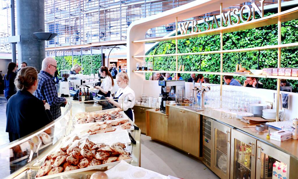 HVOR FÅR DU MEST FOR PENGENE? Det er mange nye og mange flere spisesteder på Gardermoen, når «nye Oslo Lufthavn» offisielt åpner torsdag 27. april 2017. Ønsket fra Avinor er at flere aktører skal gi økt konkurranse, på tilbud og pris. Vi har sjekket prisene på kaffe, øl, vann, vin og mat på nye Oslo Lufthavn. Foto: Ole Petter Baugerød Stokke