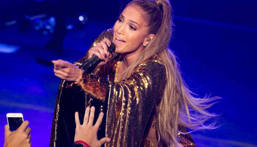 <strong>STJERNE:</strong> Jennifer Lopez er en av de mestselgende kvinnelige artistene i USA. Her er opptrer hun i Den dominikanske republikk for første gang. Foto: Splash, NTB Scanpix