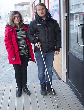 LÆRER SEG HVERANDRES SPRÅK: Tanita har lært seg russisk, mens Denis går på kurs for å lære seg norsk. Foto: Svend Aage Madsen, Se og Hør.