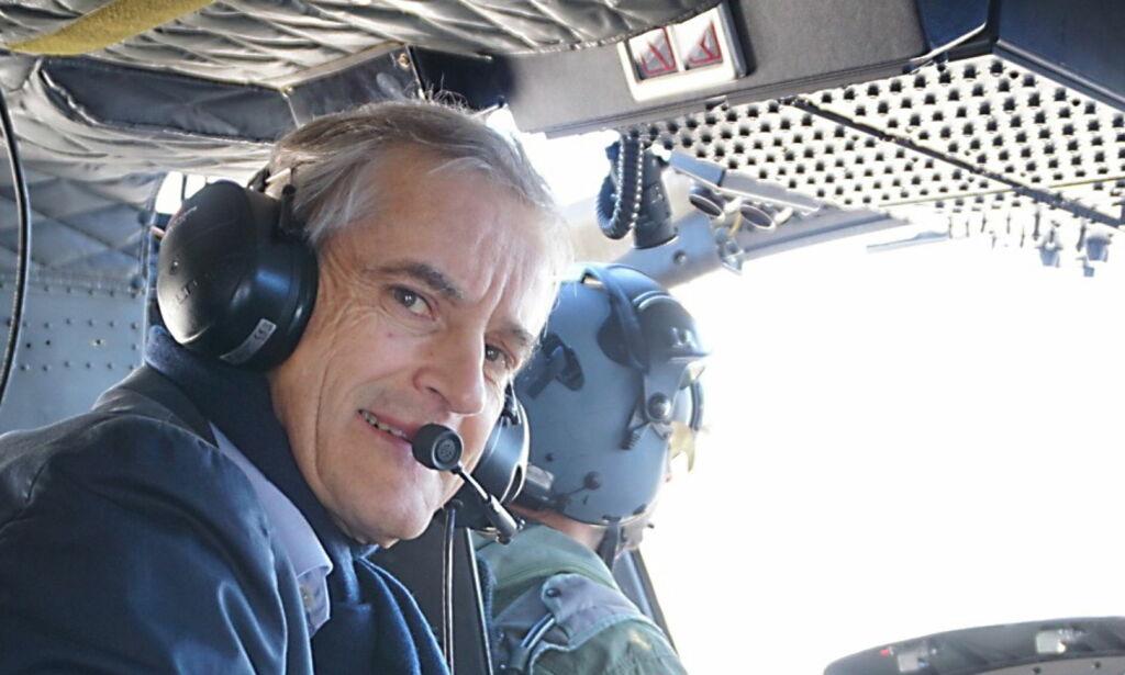 image: Jonas verner Heimevernet - og flyr lavt med Bell-helikoptre
