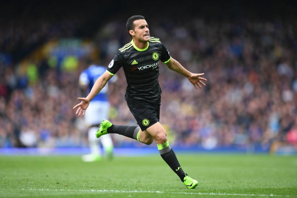 PERLESCORING: Pedro vartet opp med et praktmål som åpnet scoringsballet på Goodison Park. Foto: AFP PHOTO / Paul ELLIS