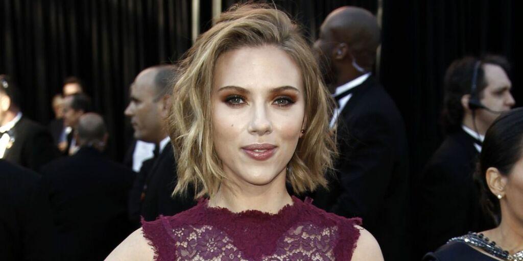 image: Scarlett Johansson vil møte sin 72-årige «tvilling»