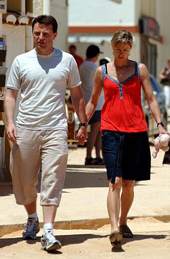 <strong>HÅPER PÅ LIVSTEGN:</strong> Madeleine McCanns foreldre i 2007. De håper fortsatt på et livstegn fra datteren. Foto: NTB Scanpix