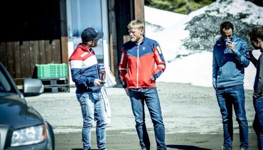 <strong>TENKER NYTT:</strong> Trener Tor Arne Hetland og Martin Johnsrud Sundby har en god dialog, men Sundby liker å utfordre etablerte sannheter og sette nye grenser. Foto: Thomas Rasmus Skaug /